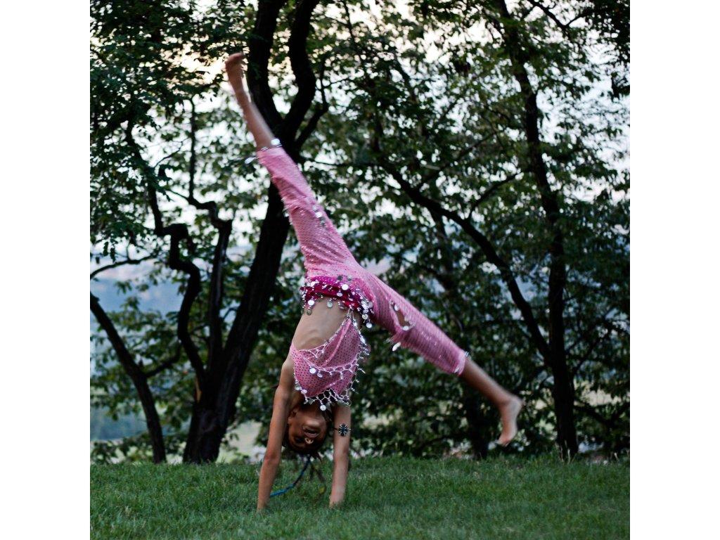 d05fb0a5583 Dětský kostým na břišní tance - top + kalhoty - světle růžový ...